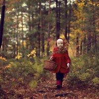 Прогулка в лесу :: Лариса Айрапетян