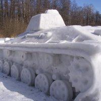 снежный танк :: Анна Воробьева
