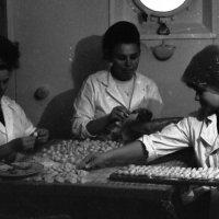 """1972-й.Танкер """"Апшеронск"""". Северный Морской путь :: Иволий Щёголев"""