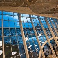 В аэропорту Гейдар Алиев. :: Ирина Токарева