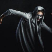 Все вокруг боятся  радости паяца :: Антон Бегеба