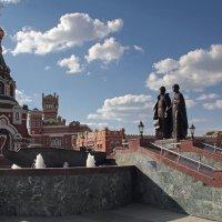 Фонтан- памятник Петру и Февронии. Йошкар-Ола :: MILAV V