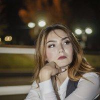 Задумчивая девушка :: Альбина Хасаншина