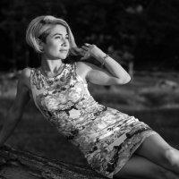 Женщина , когда перестает быть юной и прелестной, становится мудрой и шикарной!!! :: Лидия Ханова