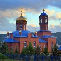 Православный храм Богородицы в честь образа Скоропослушница :: Лариса Корсакова