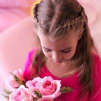 Даже маленькие девочки обожают цветы :: Ольга Штанько
