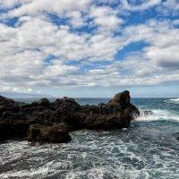 Море и скалы :: Valeriy(Валерий) Сергиенко