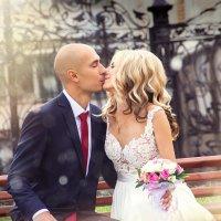 нежный поцелуй :: Александра Ломовцева
