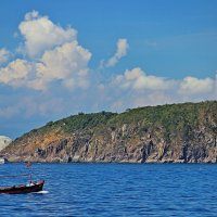 Чем дольше созерцаешь море, тем дальше уплывает золотая рыбка!!! :: Вадим Якушев