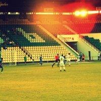 Закат солнца на стадионе :: Сашко Губаревич