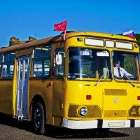 старый автобус :: Константин