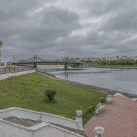 Тверь осенняя. Вид на Волгу и Староволжский мост. :: Михаил (Skipper A.M.)