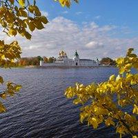 Золотая осень , золотые купола ... :: Святец Вячеслав