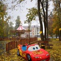 И кружит листьев  разноцветных хоровод... :: Елена Иванова