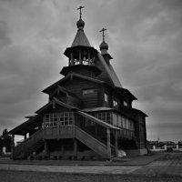 Церковь Петра и Павла.(кружево современных зодчих) :: владимир