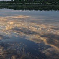Плывут по речке облака :: Galina