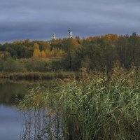 Осенний пруд :: Сергей Цветков