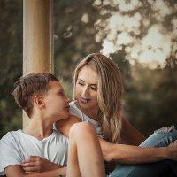 Мама с сыном :: Вера Кристеченко