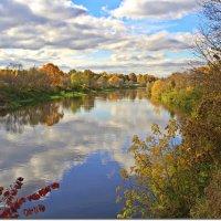 Осень на реке :: Вячеслав Минаев