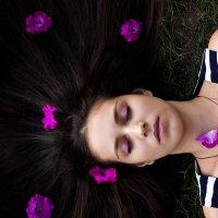 Цветы в волосах :: Оксана