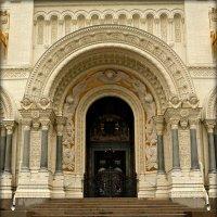 Двери в Морской храм :: Galina Belugina