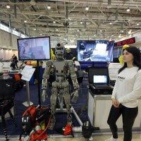 Наши девушки  не  боятся  терминаторов МЧС! :: Виталий Селиванов