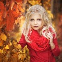 Станислава , очень любит осень и фотографироваться ) :: Алеся Корнеевец