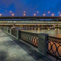 Лужнецкий мост (метромост) на Воробьевых горах. Москва (вечер) :: Борис Гольдберг