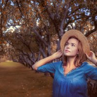 Яблоневый осенний сад. :: Татьяна Полянская