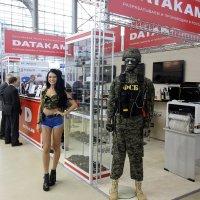 Такие  горячие  девчонки только  в  ФСБ ! :: Виталий Селиванов