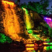 Искусственный водопады. Набережная ДВФУ. Владивосток :: Дмитрий