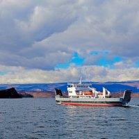 Паром с острова Ольхон :: Анатолий Иргл