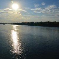 Дорожка на воде. :: Виктор ЖИГУЛИН.