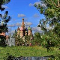 С видом на храм :: Марина Волкова