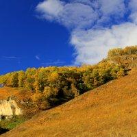 Кавказская осень... :: Vladimir 070549