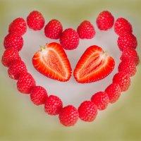 люблю ягодки...ммм... :: Екатерина Саблина