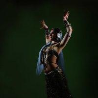 Танец баядерки :: Иван Миронов