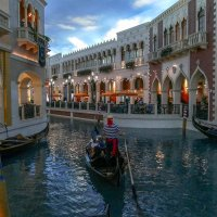 Лас Вегас. Гостиница Венеция с многочисленными каналами :: Юрий Поляков