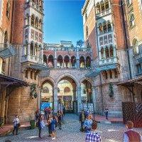 Итальянский дворик в Стамбуле :: Ирина Лепнёва