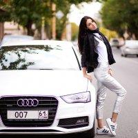 Автомобилистка Аника :: Viktoria Shakula