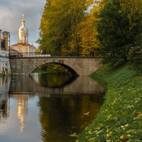 Утро в Александро-Невской лавре 2. :: Олег Бабурин