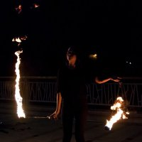 играющая с огнем... :: Дмитрий Сиялов