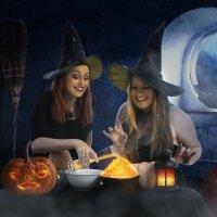 Праздник Хэллоуина.  Ведьмочки готовят волшебную кашу..... :: Лилия .