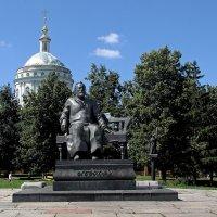 Памятник Н.С.Лескову. Орел :: MILAV V