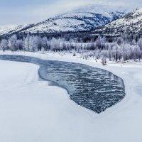Прозрачным льдом становится вода... :: Юрий Харченко