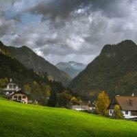 Деревня в Альпах. :: Максим Гуревич
