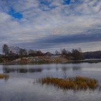 Осень на озере :: Анатолий