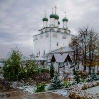 Первый снег. Мстёра. Богоявленский Мужской Монастырь :: Vlad Sit