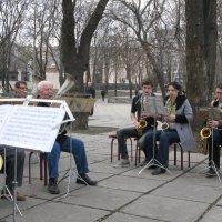 В городском саду играет духовой оркестр!... :: Алекс Аро Аро