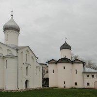 Церкви Святого мученика Прокопия (1529 г.) и Святых Жён-Миронисиц, 1508-1510 г.г. :: Елена Павлова (Смолова)